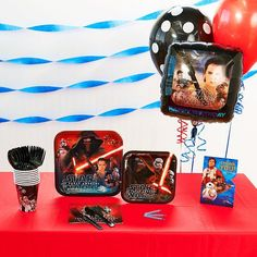 Star Wars: Episode VII The Force Awakens Basic Party Supplies for 8, Multicolor