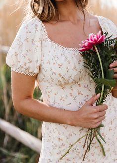 Modest Fashion, Fashion Outfits, Womens Fashion, Romantic Style Fashion, Winter Fashion, Fashion Shoot, Spring Fashion, Looks Hippie, Pretty Dresses