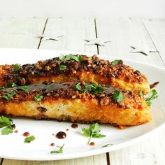 Almond crusted salmon with honey balsamic glaze. (in English and Serbian)