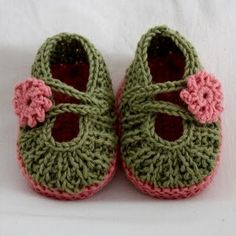 knitted baby Mary Janes with YouTube tutorial!