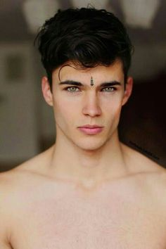 Haircut wavy hair men 16 Ideas for 2019 Haircuts For Wavy Hair, Wavy Hair Men, Haircuts For Men, Pretty Eyes, Beautiful Eyes, 3 4 Face, Amber Eyes, Hommes Sexy, Popular Haircuts