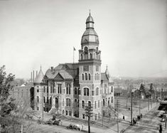 "Little Rock, Arkansas, circa 1905. ""Pulaski County Court House."" It's amazing how different things are now."