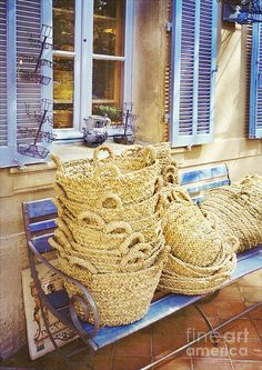 St Tropez , France......um, I'd say it's definitely worth a pop over to Provence to pick up some of those baskets, wouldn't you?
