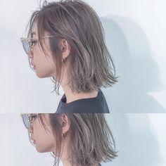 いいね!522件、コメント7件 ― 金田和樹 kaneta kazukiさん(@kaneman.jp)のInstagramアカウント: 「ブリーチ+ハイライト+カラーで✨ #ブルーグレージュ ×#切りっぱなしボブ . ハイトーンでもおしゃれに⚡️ .…」 Asian Short Hair, Girl Short Hair, Lob Hairstyle, Pretty Hairstyles, Midi Hair, Medium Hair Styles, Curly Hair Styles, Shot Hair Styles, Hair Arrange