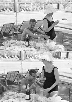 Paul Newman & Joanne Woodward in summer