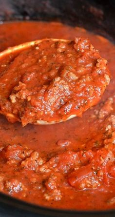 Mom's Crockpot Spaghetti Sauce ~ This spaghetti sauce is rich, hearty, and absolutely delicious... made in a crockpot with a secret ingredient!