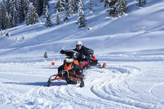 Sie sind auf der Suche nach einem actionreichen Rahmenprogramm für Ihre Teilnehmer? Wie wäre es mit einem Snow-Mobile & Skidoo Training im verschneiten Salzburger Land? Train, Mountains, Searching, Strollers, Bergen