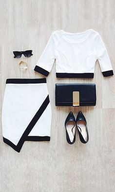 Black-Lined White Two-Piece Dress//
