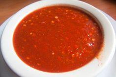 La salsa roja para tacos al pastor es una receta que combina perfecto con los tacos lleva cerveza lo que le da un toque que te encantará.