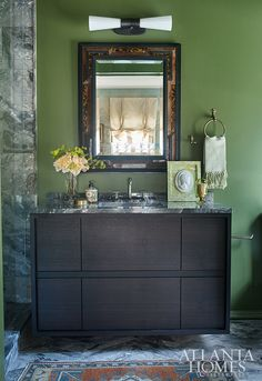 California Cool, Atlanta Homes, Bedside Table Lamps, Green Rooms, Luxury Living, Mudroom, Interior Inspiration, Countertops, Family Room