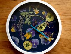 Items similar to Pressed Flower Wall Clock on Etsy Cut Flowers, Dried Flowers, Different Types Of Flowers, Pressed Flower Art, Perfect Mother's Day Gift, Garden Gifts, Amazing Flowers, Flower Wall, Mother Day Gifts