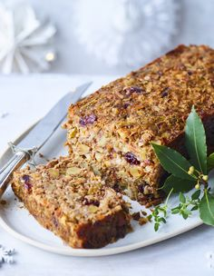 If you need a vegan nut roast that will stay together while the rest of your Christmas is coming unwrapped, we've got you covered.  #vegan #christmas #vegetarian #nutroast #christmasdinner