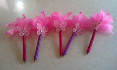 Crafts To Make, Fun Crafts, Pen Toppers, Pencil Crafts, Biscuit, Flower Pens, Santa Ornaments, Pen Sets, Easter Crafts