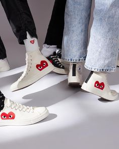 Cult status sneakers imbued with quirky personality -- The Comme des Garcons x Converse Chuck Taylor Hi/Ox is available online now. Dr Shoes, Swag Shoes, Hype Shoes, Me Too Shoes, Mode Converse, Outfits With Converse, Converse Shoes, Converse High, Aesthetic Shoes