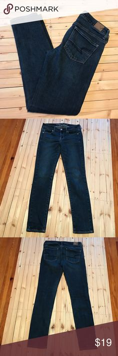 """4S AEO Skinny Jeans AEO Skinny Jeans. Size 4 REG. In great gently used condition. Only signs of wear is on the back of the legs, a slightly lighter color. (Shown in last picture) no other signs of wear and no stains. Check out my closet for more AEO jeans. INSEAM 28"""" American Eagle Outfitters Jeans Skinny"""