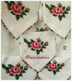 iyi akşamlargood night #kaneviçe #kanevice #etamin #carpiisi #gül#rosegold #flower#flowers#iğneoyası#lace#ceyiz #home #homemade #homesweethome #biutifull #fashion#design #antika#embriodery #instagood #instalove #instamood #paylasim_platformu