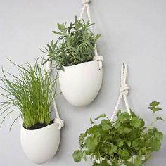 Plantenbakken ophangen