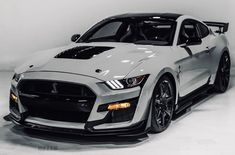 2020 Ford Mustang Shelby - Auto Design Ideen - Design de Carros e Motocicletas Ford Mustang Shelby Gt500, Ford Gt500, Ford Mustang Eleanor, Red Mustang, Mustang Cars, 2015 Mustang, Ford Shelby, Luxury Sports Cars, Exotic Sports Cars