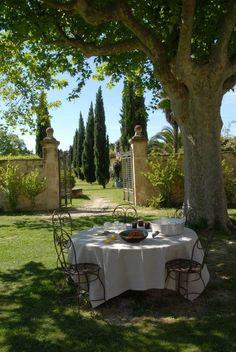 Al fresco ~ France #GardenGate #ShaunaGiesbrecht #VonGiesbrechtJewels