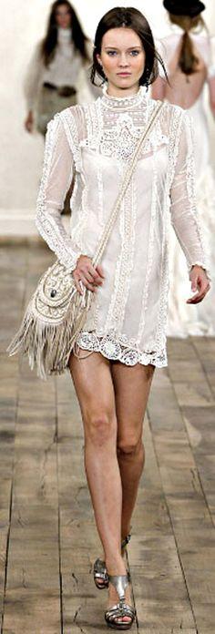 lace looks with boho fringe bag