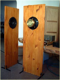 Rear and side view of Open Baffles Speakers with 215 Supravox Signature Bicone.