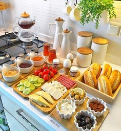 Ideas Breakfast Buffet Ideas Hotel Sunday Brunch For 2019 Good Food, Yummy Food, Tasty, Breakfast And Brunch, Hotel Breakfast Buffet, Breakfast Station, Breakfast Table Setting, Sunday Brunch, Cooking Recipes