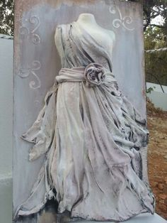! Mixed Media Canvas, Mixed Media Collage, Decoupage On Canvas, Mannequin Art, Plastic Art, Unusual Art, Clay Creations, Hobbies And Crafts, Playing Dress Up