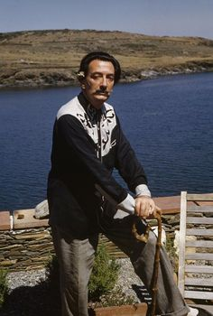 SALVADOR DALI.....PHOTO BY KRYN TACONIS....ON MAGNUM PHOTOS.......