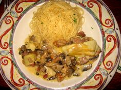 This is a copy cat that I found online. Macaroni Grill Recipes, Deep Fried Recipes, Chicken Recipes, Restaurant Recipes, Dinner Recipes, Yummy Recipes, Chicken Scallopini, Finger Food Appetizers, Copycat Recipes
