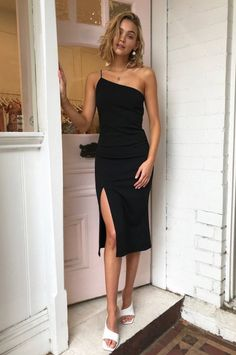 Your Search for the Perfect New Year's Eve Outfit Stops Here Shine bright like a diamond. - Your Search for the Perfect New Year's Eve Outfit Stops Here Plus Prom Dresses, Women's Dresses, Fall Dresses, Elegant Dresses, Evening Dresses, Casual Dresses, Short Dresses, Chiffon Dresses, Evening Outfits