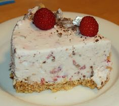 vadelmajuustokakku,vadelma-mariannejuustokakku Rocky Road, Vanilla Cake, Cheesecake, Birthdays, Pudding, Nutrition, Sweets, Baking, Party