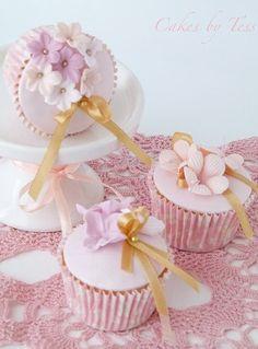 Pink & Lavender Flowers Cupcakes