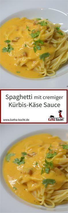Diese Spaghetti mit cremiger Kürbis-Käse Sauce haben ein enormes Suchtpotential - das Rezept für dieses herbstliche Soulfood gibt es auf katha-kocht!