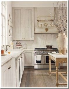 White Washed Wood Kitchen Cabinets have many purposes. Not only do they maintain home equipment, dishes, and food, they also deliver the important fashion to the kitchen. Shopping for kitchen cabinets Shabby Chic Kitchen, Rustic Kitchen, Country Kitchen, New Kitchen, Kitchen Dining, Kitchen Decor, Neutral Kitchen, Kitchen Ideas, Whimsical Kitchen