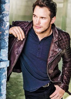 Chris Pratt....Totally hot, and there is something about seeing a Hollywood star, wearing his wedding ring...HAWT!!!!
