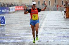 VISTO DAL basso    : ATLETICA Ricatti fa il personale sotto la pioggia,...