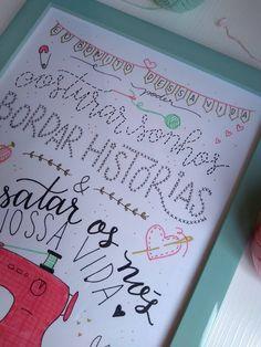 Quadro de Lettering - Decoração Ateliê de Costura - Tamaravilhosamente Bullet Journal, Sentences About Friendship, Feltro, Room, Sharpies, Sewing