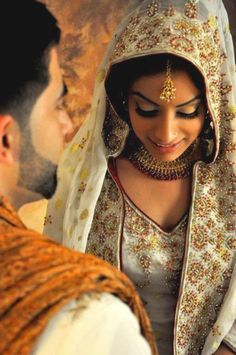 Makeup Trends: What's In and What's Out - South Asian Life