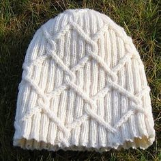 Lumikukka - Celtic style cables for a unisex beanie - pattern by Marja Airaksinen