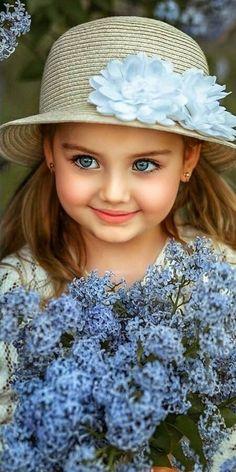 Cute Baby Girl Photos, Cute Kids Pics, Cute Little Baby Girl, Cute Baby Girl Pictures, Beautiful Little Girls, Beautiful Children, Beautiful Babies, Cute Girls, Cute Babies