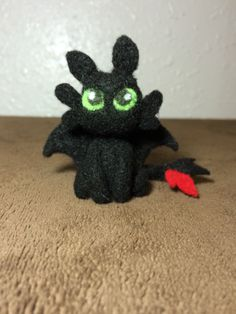 """One of a kind needle felted Toothless from """"How to Train Your Dragon"""" https://www.etsy.com/listing/194177733/miniature-felted-toothless?"""
