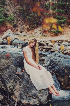 Soft natural photoshoot. Natural Posing. Utah Senior photography. Pretty Senior photos. Pretty white dress. Crown braid. Stephanie Sunderland Photography.