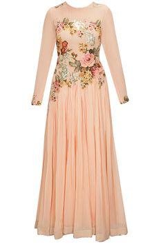 Peach floral applique work anarkali set by Eshaani Jayaswal. Shop now: www.perniaspopups.... #anarkali #beautiful #designer #eshaanijayaswal #pretty #accessory #shopnow #perniaspopupshop #happyshopping