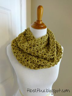 Ravelry: Gold Leaf Infinity Scarf pattern by Jennifer Dickerson