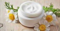 Crème de luxe ultra-riche fait maison à base des ingrédients naturels et bénéfiques pour la beauté et la santé de votre peau !