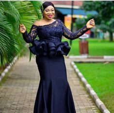 Check out these 30 gorgeous 2019 Asoebi Lace styles. Nigerian Lace Dress, Nigerian Dress Styles, Best African Dresses, African Lace Styles, African Traditional Dresses, Latest African Fashion Dresses, African Print Fashion, African Attire, Ankara Styles