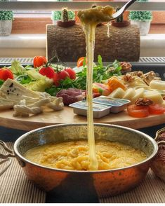 Kuymak tarifi Karadeniz bölgesi Ramen, Curry, Ethnic Recipes, Food, Meal, Essen, Hoods, Curries, Meals