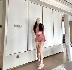 Korean Girl Fashion, Ulzzang Fashion, Korea Fashion, Cute Summer Outfits, Classy Outfits, Pretty Outfits, Skinny Inspiration, Body Inspiration, Sport Outfits