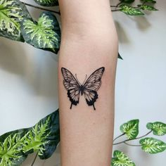 Most Popular butterfly tattoo foot small 33 ideas Elegant Tattoos, Dainty Tattoos, Dope Tattoos, Pretty Tattoos, Mini Tattoos, Body Art Tattoos, Small Tattoos, Sleeve Tattoos, Tatoos