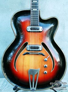 The Fellowship of Acoustics for Fine, Vintage and Rare guitars - Electrics :: European Vintage :: 1950's Musima Record All solid carved hollowbody, Hardcase, ec.